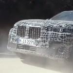 Kedvcsináló videón a sivatagban és hóban nyúzott BMW X7