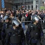 Rendőrsorfal vágta el a szélsőségeseket a millásoktól - fotók