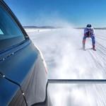 188 km/h tempóval húztak egy síelőt egy kombival - videó
