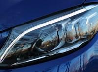 Ne csak lásson, látszódjon is: menetfény és társai, avagy mit kell tudni az autó lámpáiról?