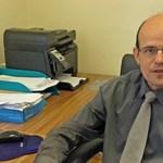 Cigányellenes húzása miatt meszelték el Mezőkeresztes polgármesterét