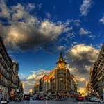 Egymilliárd eurót kérnek 100 spanyol irodaházért
