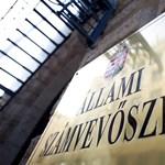 Az ÁSZ szerint 76 ezres kárt okoztak a matricázó ellenzéki képviselők