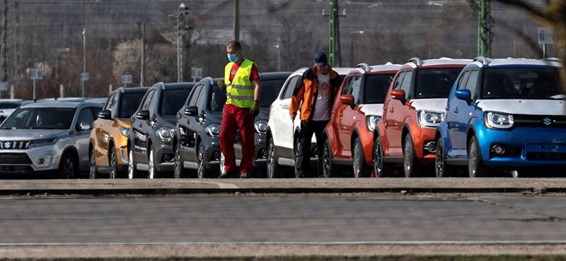Az egész magyar gazdaságot megrengeti az autógyárak leállása