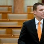 Menczer a Szájer-ügyről: Ha a kormány zsarolható lenne, elállna a vétótól