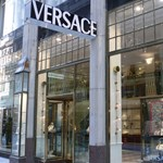 Egy birodalom vége, eladják a Versacét