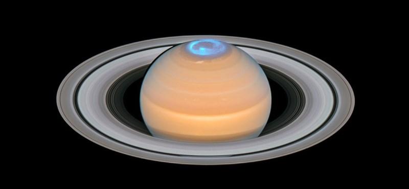 Látványos sarki fény ragyogja be a Szaturnusz északi pólusát