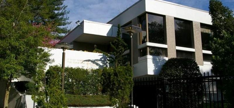 Az okirathamisításért elítélt Lóki Géza családi cége újítja fel Washingtonban a külképviseletet