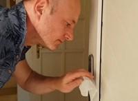 A Katona színésze praktikus tanácsokat ad a vírusmentes háztartáshoz