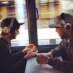 Az NBA-sztárok is Rubik-kockával élesítik az elmét - fotó