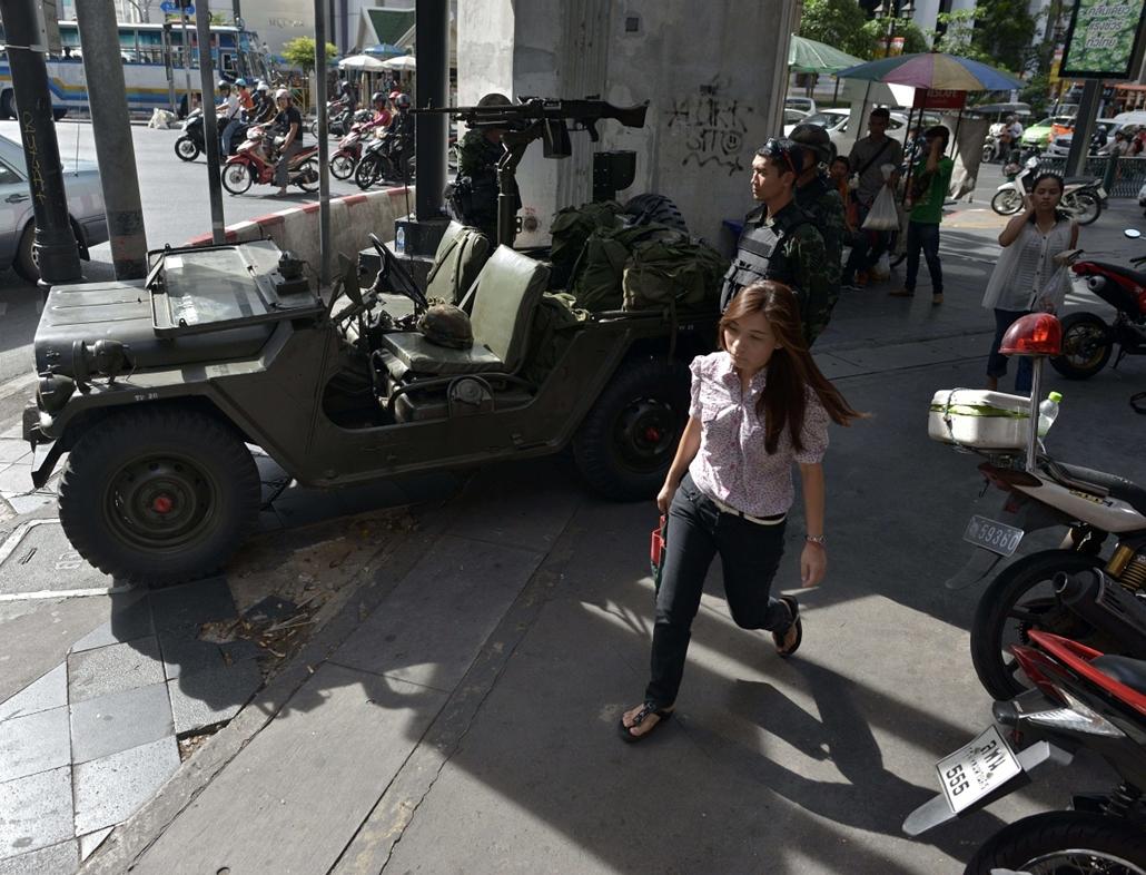 afp.14.05.20. - Bangkok, Thaiföld: rendkívüli állapot