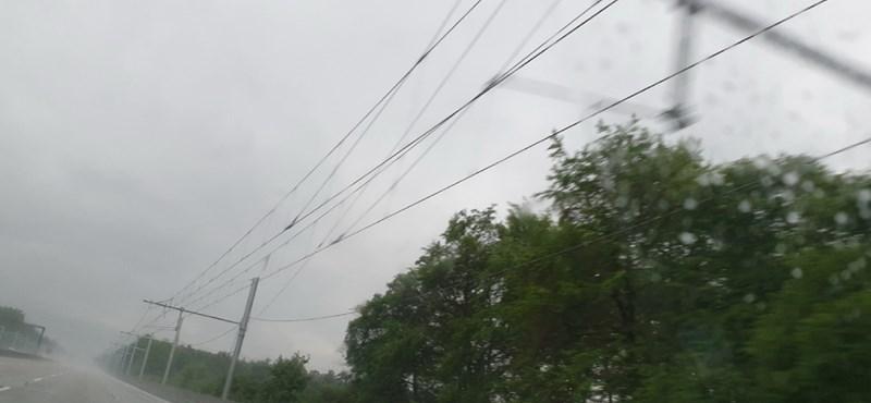 Lefotóztuk a villamosított autópályát, nem lett túl szép