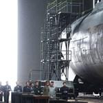 Titokzatos tengeralattjáró mellett fotózták Kim Dzsong Unt, és ez nem jó hír a világnak