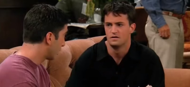 Ilyen az, amikor Chandler a Jóbarátokból Jokerként pózol