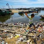 Másodpercenként 50 kiló műanyag ömlik az óceánokba