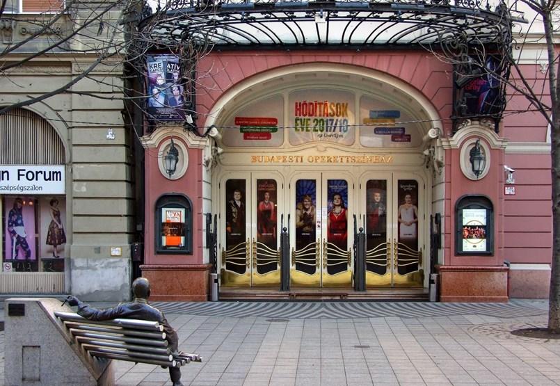 Az Alföldi előadását cenzúrázó Vincze Balázs az Operettszínház művészeti vezetője lett