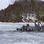 Mulder ügynök új aktája: csonttá égett Teslát találtak egy befagyott tó jegén