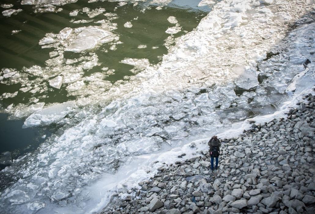 bm.17.01.09. Duna, jég, jégzajlás, hideg, tél