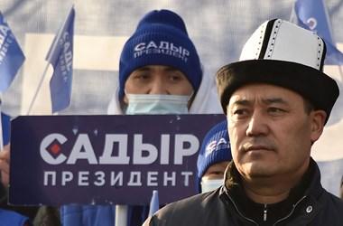 """Emberrablásért ült, aztán hirtelen államfő lett a """"kirgiz Trump"""""""