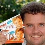 A nap képe: a Kinder csokoládé gyerekarca, felnőtt fejjel