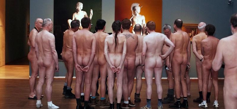 Fotók: meztelenek nézték meg a bécsi meztelen kiállítást