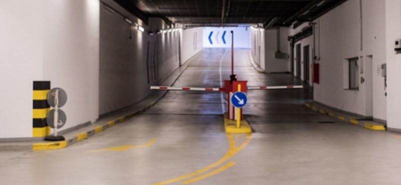 Több mint 40 százalékkal csökkent a parkolások száma Budapesten