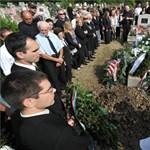 Eltemették Képíró Sándort - ott volt a Jobbik-vezérkar