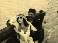 Igazi különlegesség: bemutatják Az arany ember legkorábbi filmváltozatát