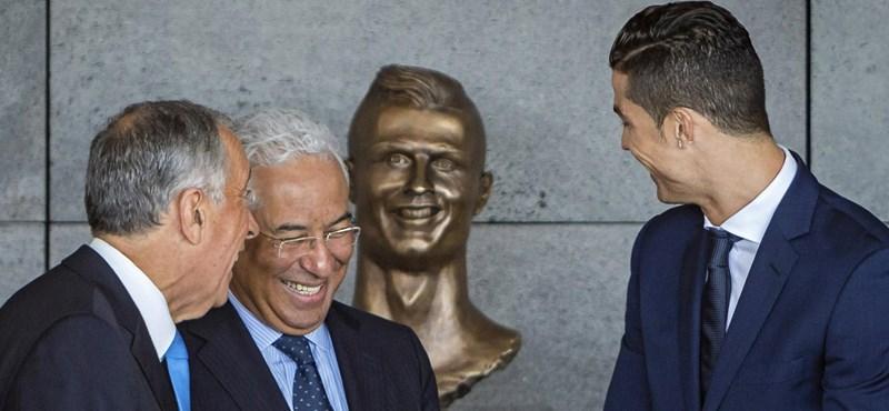 Lecserélték Cristiano Ronaldo rémszobrát Madeirán