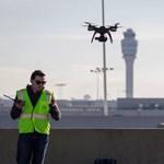 Ebből egyszer még nagy baj lesz: egyre több a drón a repülők körül