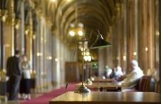 Szigorítják a belépést a parlamentbe