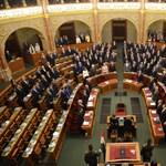 Alacsonyabb bejutási küszöböt és női kvótát akar Gulyás Márton