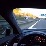 Simán megy az Autobahnon 300 felett a legkisebb RS Audi, amit megpiszkáltak – videó