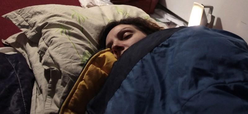 Hamarabb ágynak dönti a megfázás a kialvatlan embereket