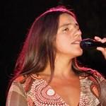 Palya Bea karácsonyi dalt írt gyermekéről - videó