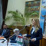 Selmeczi Gabriella Gyurcsánynézott egyet, majd visszavonta