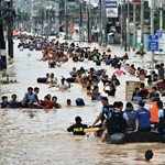 Százezreket tett földönfutóvá a tájfun - Nagyítás