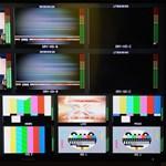 Napi Gazdaság: Az adócsomagon át fognák meg a külföldre költöző tévéket