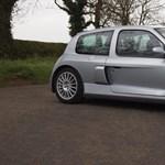 Jó ajánlat hétmillióért egy 15 éves Renault Clio?