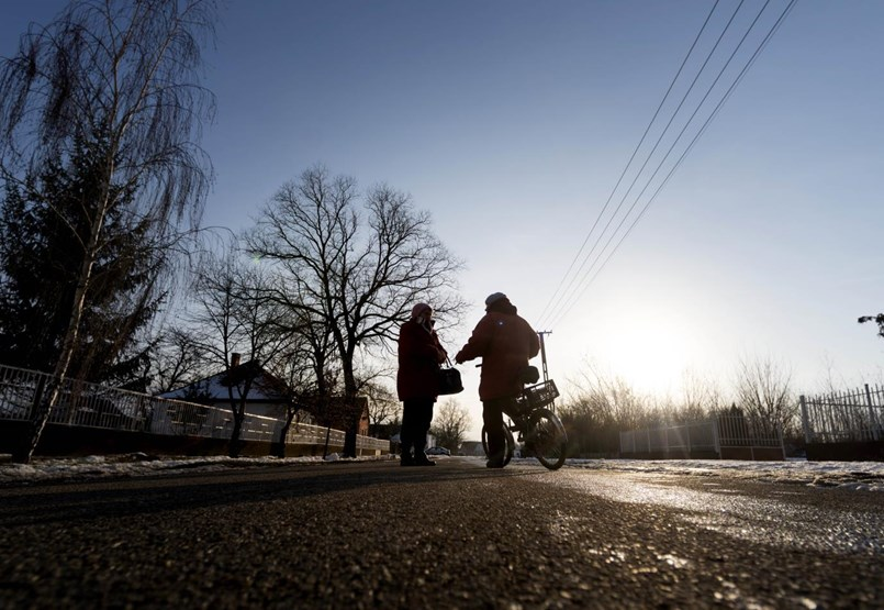 Nincs iskola, nincs internet, nincs pénz: a legszegényebb településeken keményen meg kell harcolni az érettségiért
