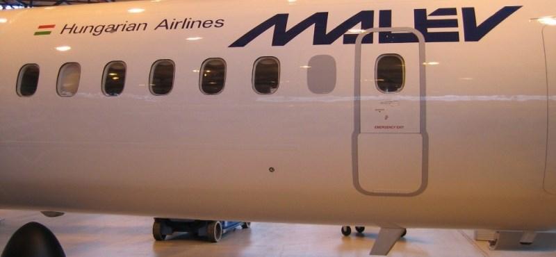 Megérkezett a Malév második Q400-asa
