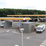 Logikus: a benzinkúton lesz az elektromos töltőállomás