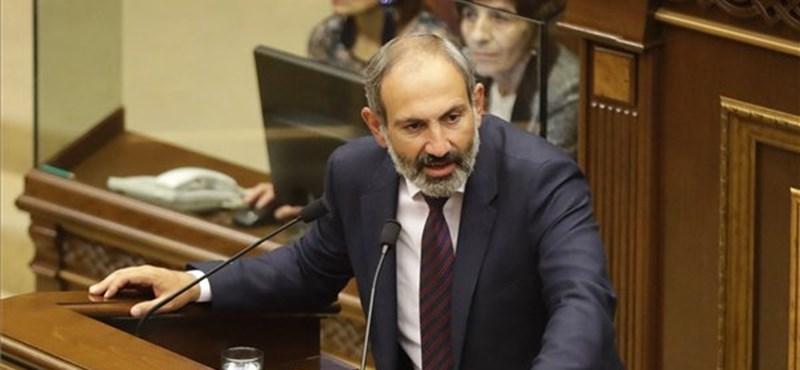 Óriástüntetés Örményországban