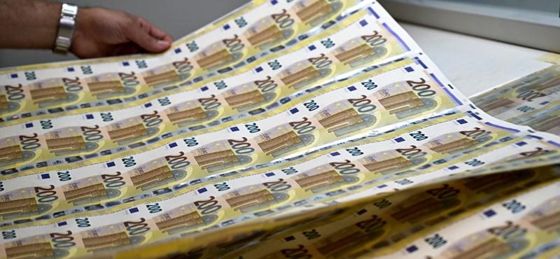Ekkortól lehet román euró