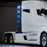Több száz elektromos kamiont rendelt a világ legnagyobb sörcége