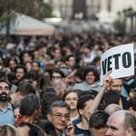 Hatalmas tüntetés lesz vasárnap a Lánchídnál? Újra utcára vonulnak a lex CEU miatt