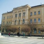 Szakiskolává fokozhatják le a Selye János Egyetemet