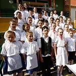 """""""Ezt egyedül Orbán Viktor szeretné"""": több százmilliárdos vita az iskolák államosításáról"""