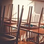 Miért a szülőknek kell megvenniük az iskolapadot és kifesteniük az iskolát?