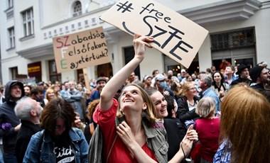 Színművészeti gólyaeskü - színészek is tiltakoznak az egyetem átalakítása ellen